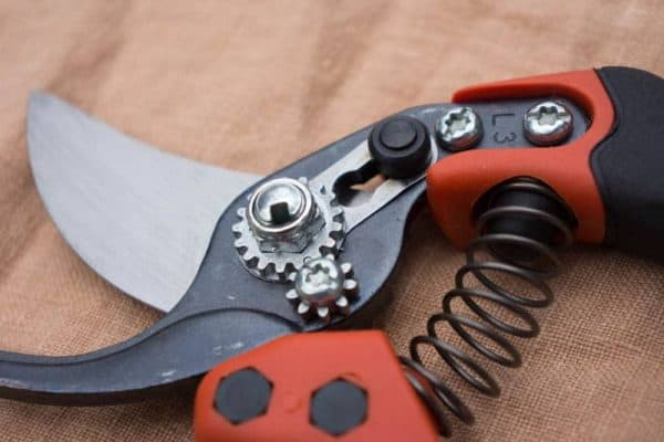 Bahco Pruners - Ergo PX Series Back Detail