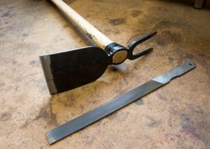 How to sharpen garden tools - main
