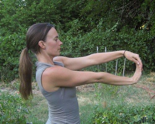 Yoga for gardeners - Wrist Opener 5